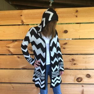 Black and white graphic long hooded cardigan